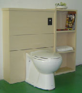 Toilet in confined space using the Uiversal Extractor
